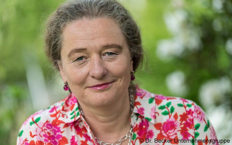 Frau Dr. Ursula Becker