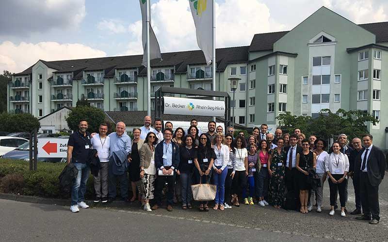 Internationaler Austausch für eine gelungene Reha: Am Freitag besuchten italienische Gesundheitsexperten/innen die Dr. Becker Rhein-Sieg-Klinik in Nümbrecht.